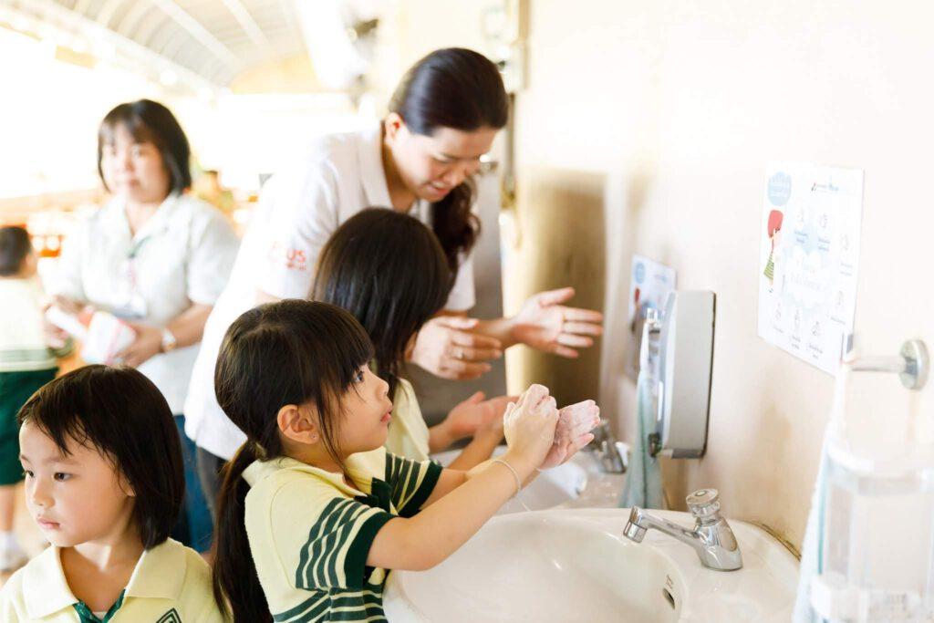 ทำความสะอาด ล้างมือ CSR 03